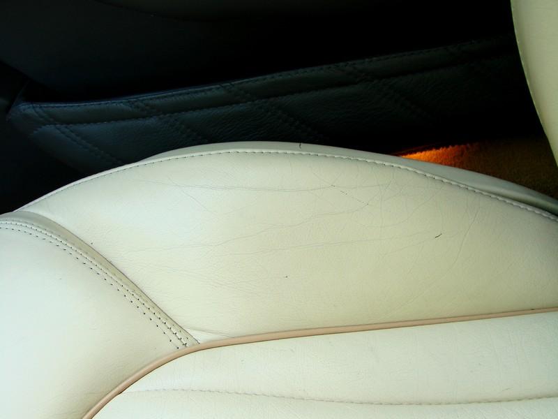 Rénovation des cuirs de ma 3200 GT Assetto Corsa DSC08986